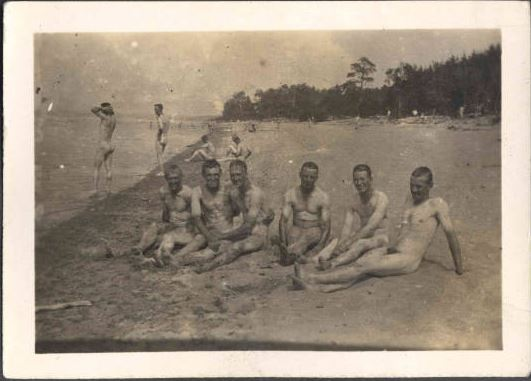 Ottawa River 1916 naked men