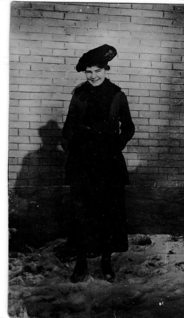 janie-dec-20-1916-yw