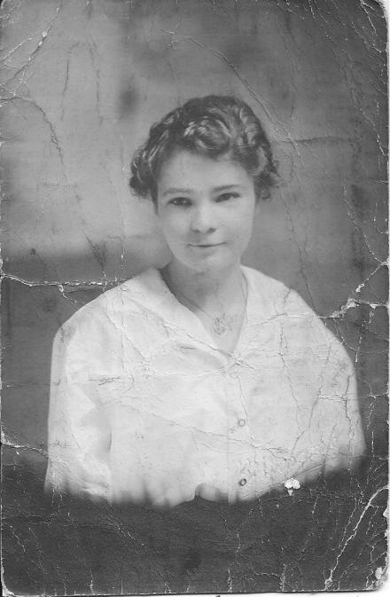 Janie Xmas 1916 001.jpg