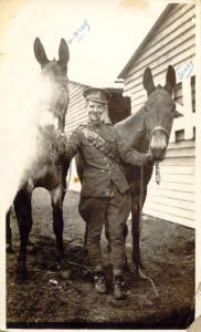 calder-with-mules-photo-aug-1916-front