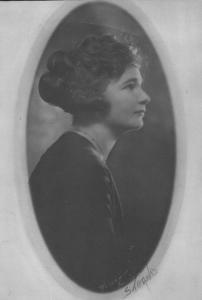 Janie oval