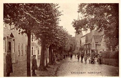 Causeway Horsham photo.9f.1917 Robert Shortreed